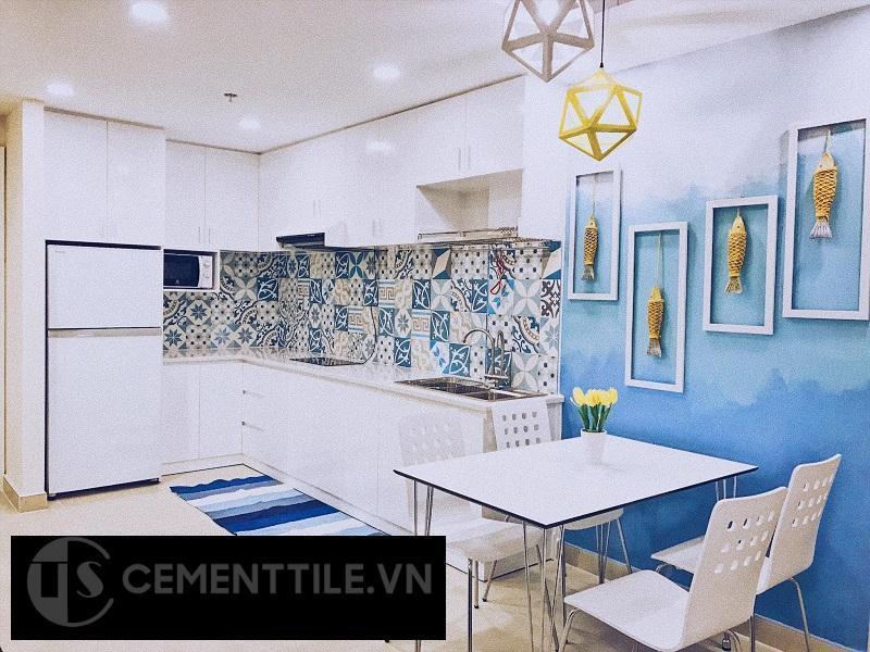 Gạch bông trang trí nhà bếp tông màu trắng xanh dương